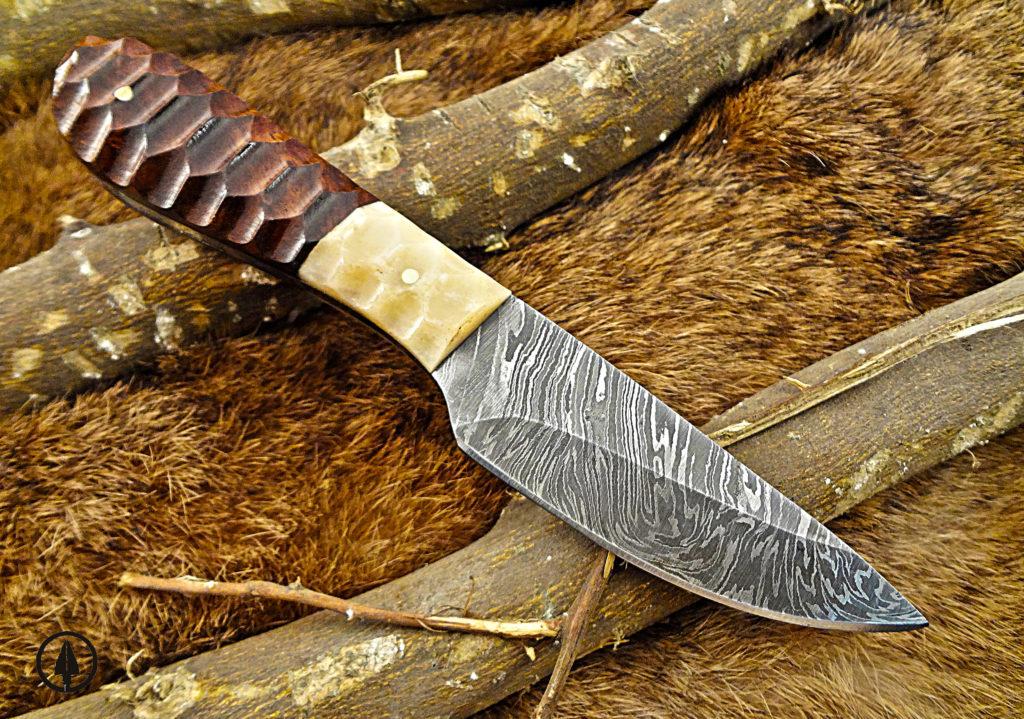 Best Skinning Knives cover