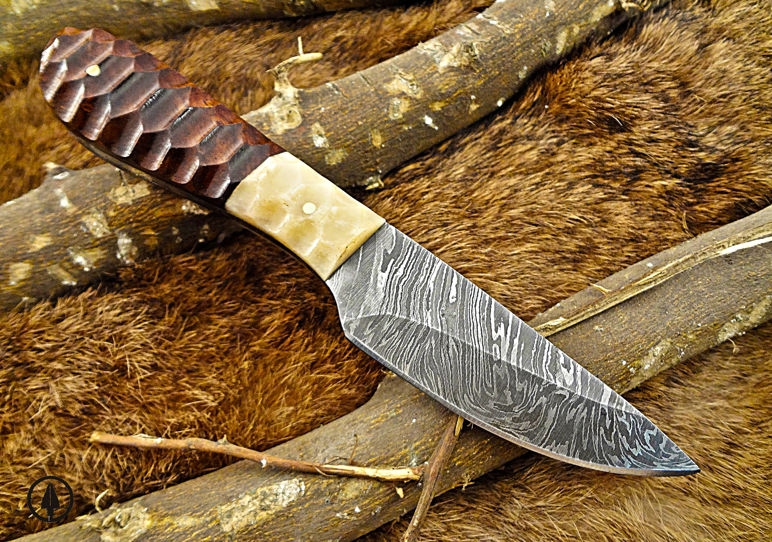 Skinning knife cover photo