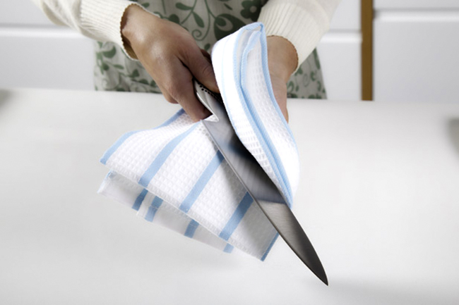 Dry Clean Your Hunting Knife